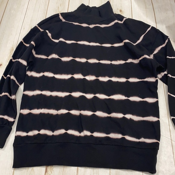 Wild fable Medium tie-dye pull over sweatshirt